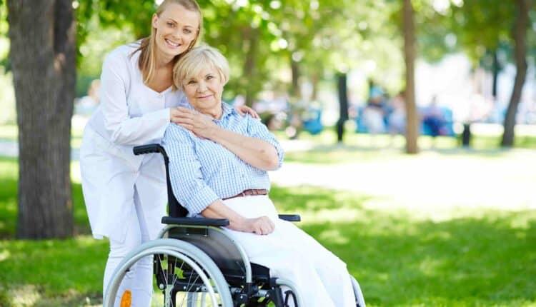 الهجرة إلى المانيا  العمل في وظيفة رعاية المسنين في المانيا
