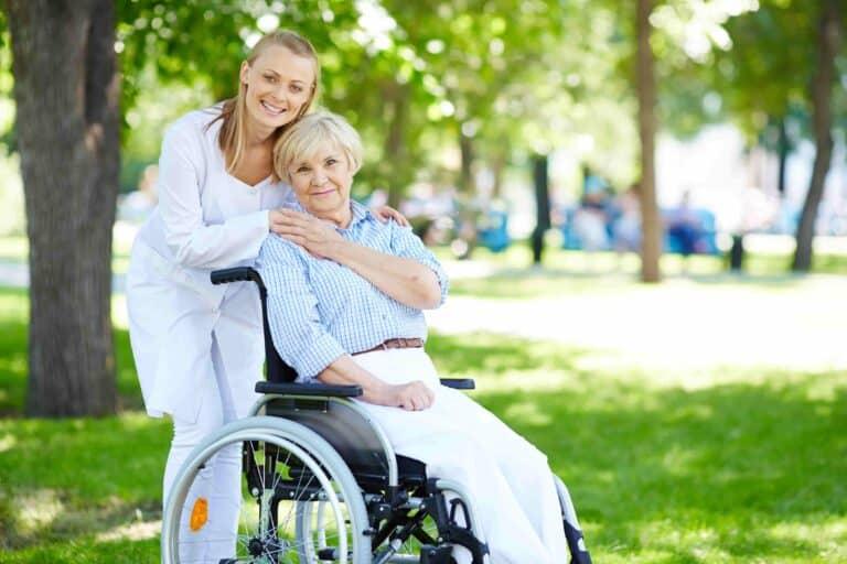 الهجرة إلى المانيا| العمل في وظيفة رعاية المسنين في المانيا 2021