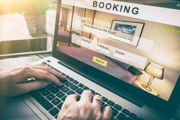 أفضل 10 مواقع لحجز الفنادق الرخيصة 2021