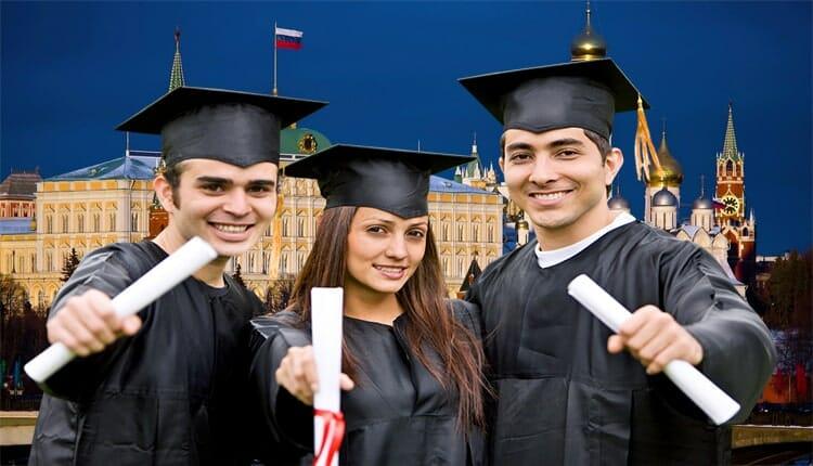 دليلك الشامل الكامل عن الدراسة في روسيا 2021